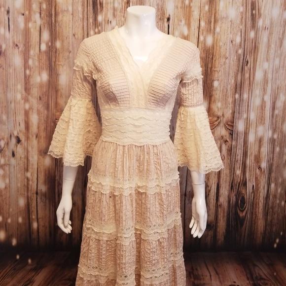 7bd6d5c27d0  vintage  Ropamex Mexican wedding dress. M 5ad3d76b077b97652854f2f4